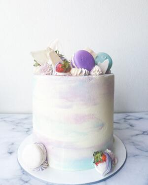 Torta para cumpleaños macarrones